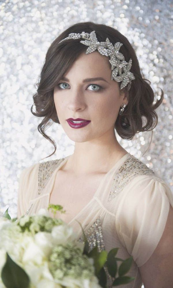 Bride with glam silver star headband veil alternative