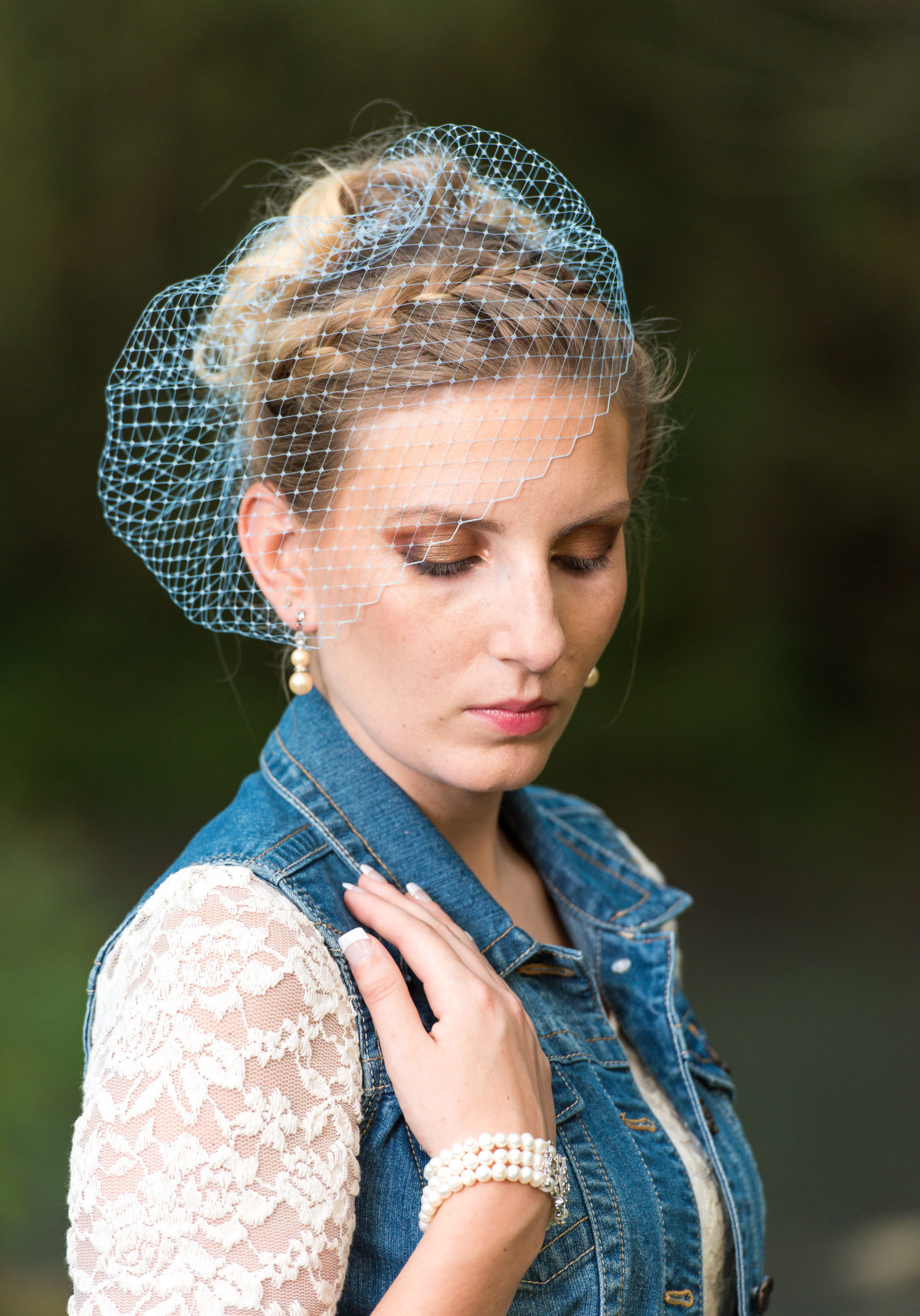 An easy to make Birdcage veil.